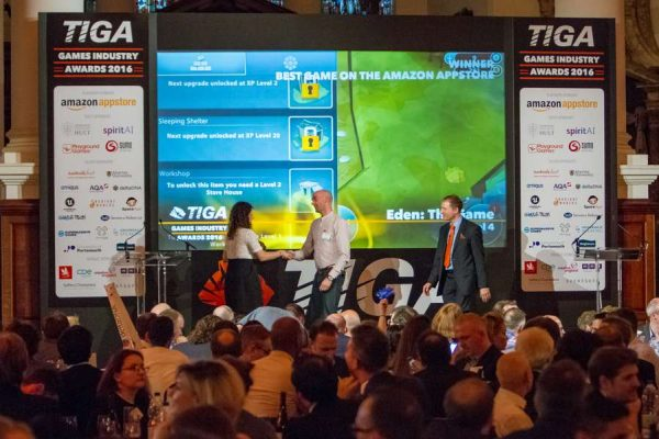 tiga-2016-winners-on-stage-10_result