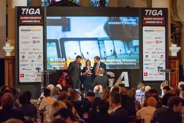 tiga-2016-winners-on-stage-13_result