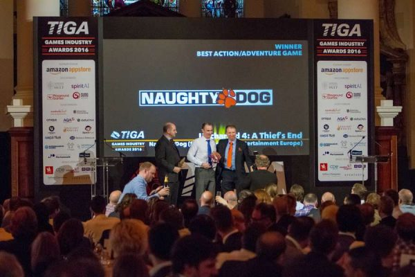 tiga-2016-winners-on-stage-2_result