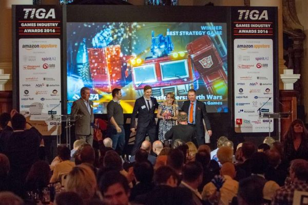 tiga-2016-winners-on-stage-4_result