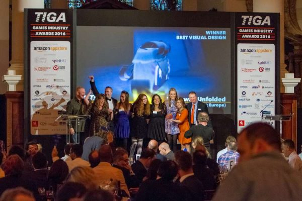 tiga-2016-winners-on-stage-18_result