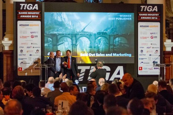 tiga-2016-winners-on-stage-32_result